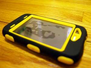 iPhone Defender case bubbles