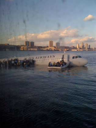 Hudson River plane crash iPhone photo